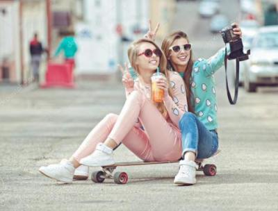 depositphotos_72893515-stock-photo-hipster-girlfriends-taking-a-selfie_0_0.jpg